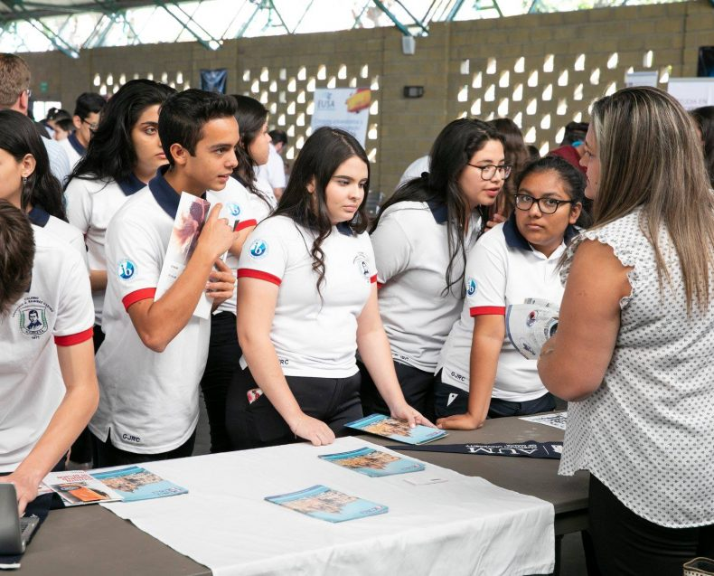 Costa Rica High School Fairs 2019-31