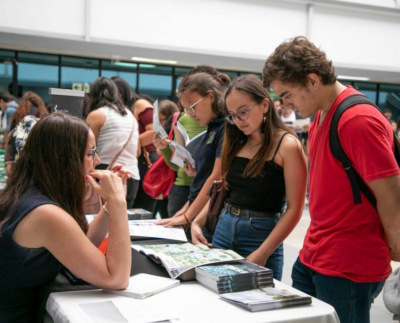 Costa Rica Grad Fair 2019-11